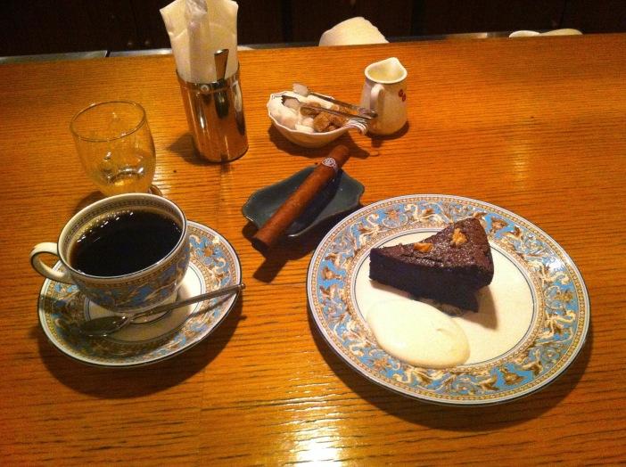At Cafe Rim, Ginza, Tokyo, Japan / iPhone 4