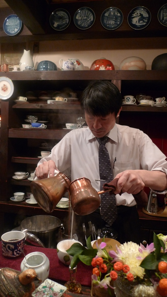 Café Satei Hatou, Shibuya, Tokyo, Japan / Leica D-Lux 4