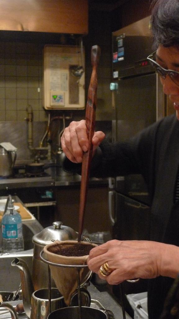Masae Nagata, owner of Coffee Reinio, Roppongi, Tokyo, Japan / Leica D-Lux 4