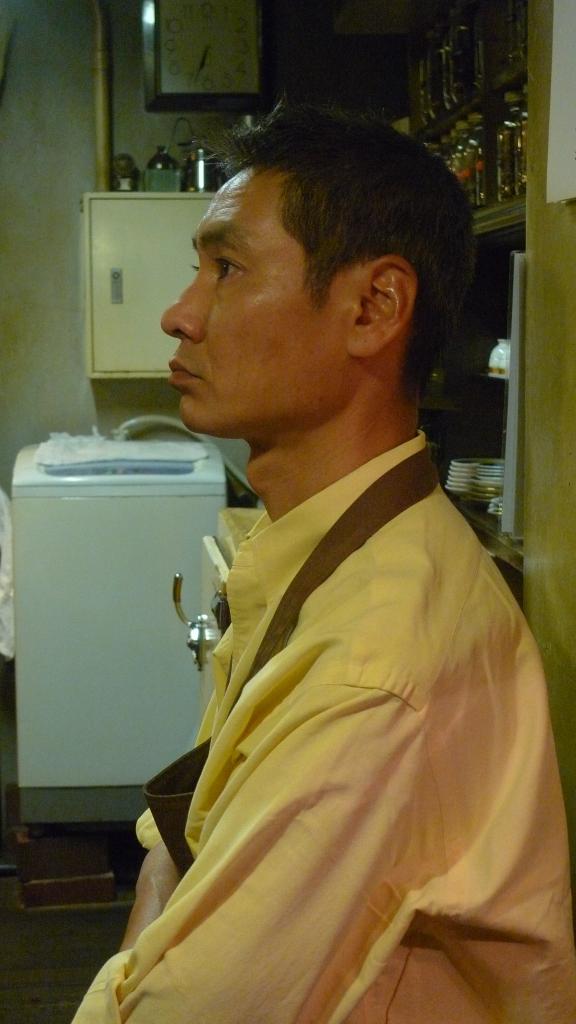 Fujihiko Hayashi, Barista / Cafe de L'Ambre, Ginza, Tokyo, Japan / Leica D-Lux 4