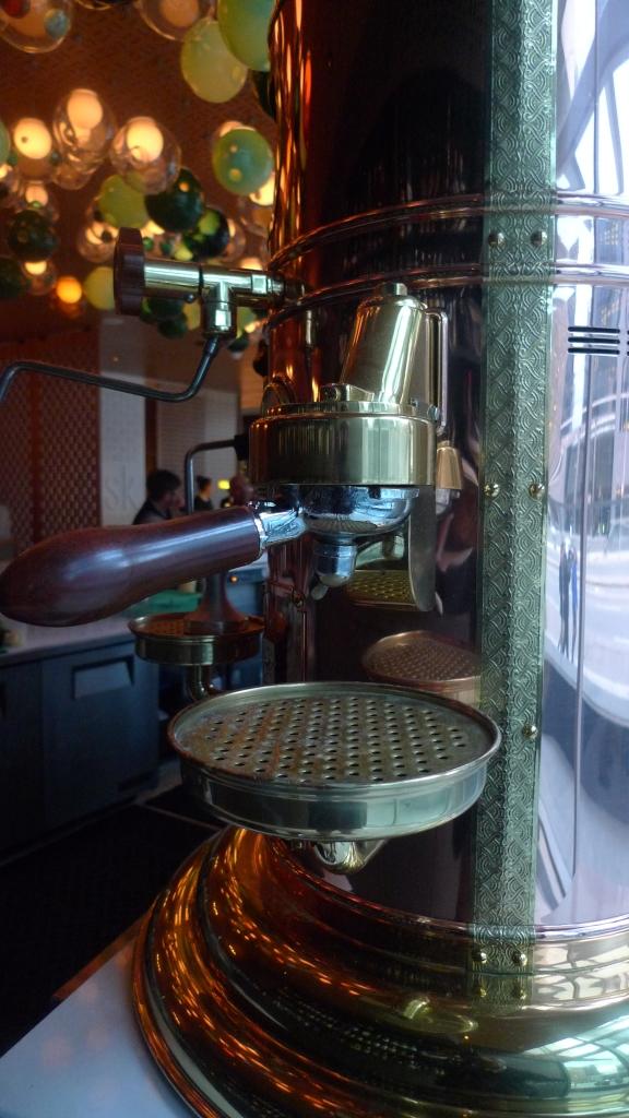Elektra Espresso Machine / Shangri-La, Toronto, Canada / Leica D-Lux 4