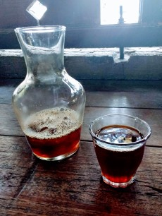 A shot, brewed hot onto ice cubes, Japanese style / brewed by Bobby at Kopi Magma, Bandung / Sila Blume 2018